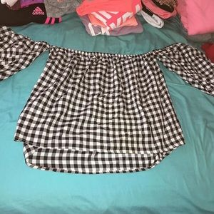 Tops - Black and White Patterned top